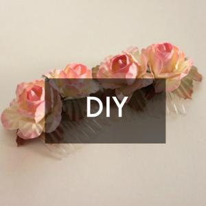 http://www.danareneestyle.com/wp-content/uploads/2016/01/Silk-Flower-Hair-Combs-1.jpg